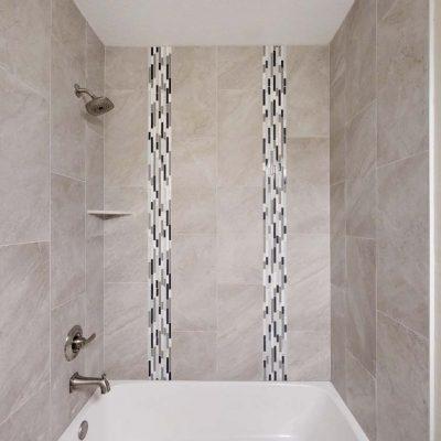 1693 Guest Bath (2)